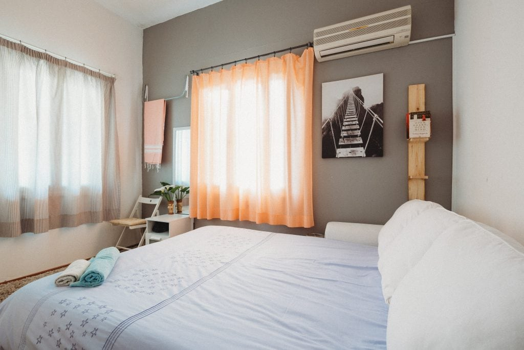 Best Side Hustles to Make Real Money - Airbnb